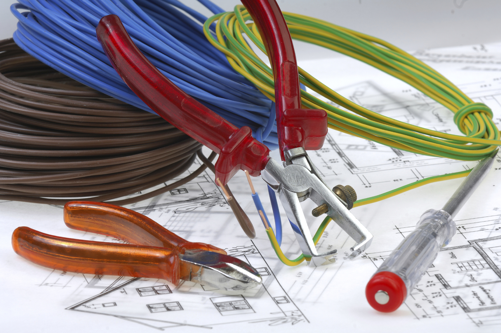 Local electricians in London area